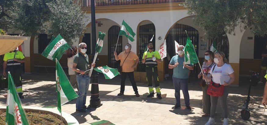 Nuevas concentraciones frente al Ayuntamiento de Bormujos para exigir el mantenimiento del servicio de limpieza público con la Mancomunidad del Guadalquivir