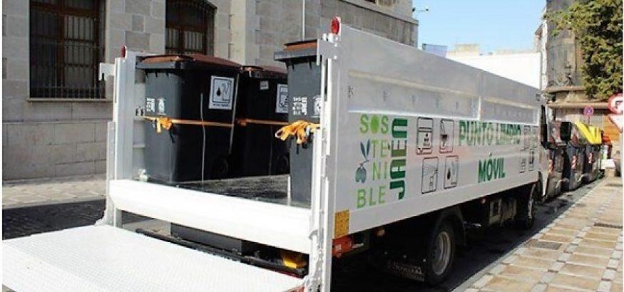 USO-Andalucía, con los trabajadores de limpieza viaria de FCC en Jaén.
