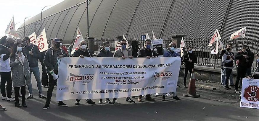 Concentración contra el despido de un delegado de USO en Huelva